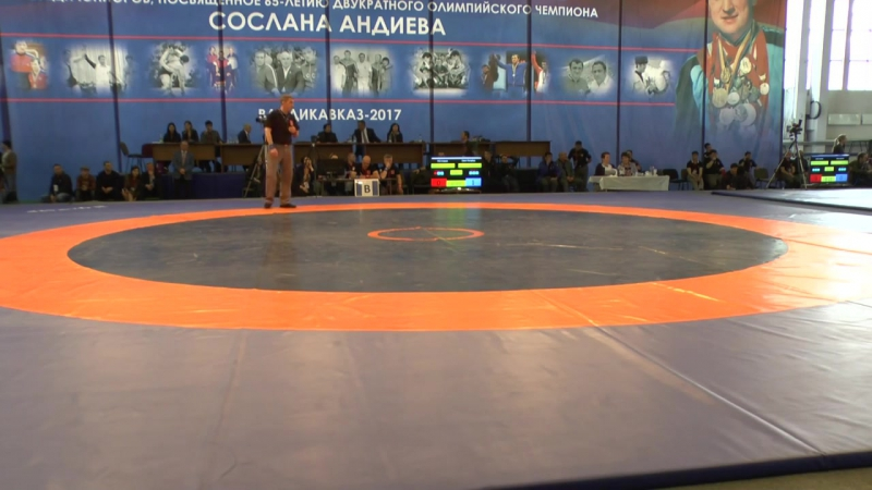 Велихан Улуханов - Арсен Тигиев