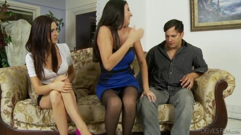 video-seks-on-uchil-ee-igrat-dvoynoe-proniknovenie-porno-blondinki