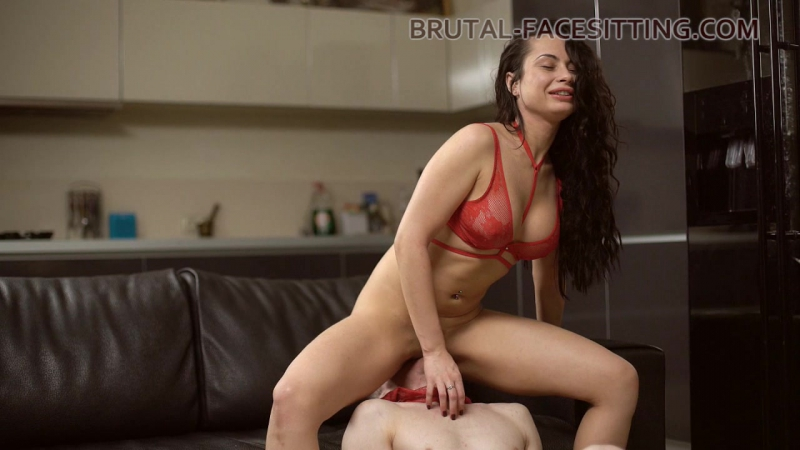 Kristall Rush [HD 720, femdom, russian, facesitting, new porn 2017]