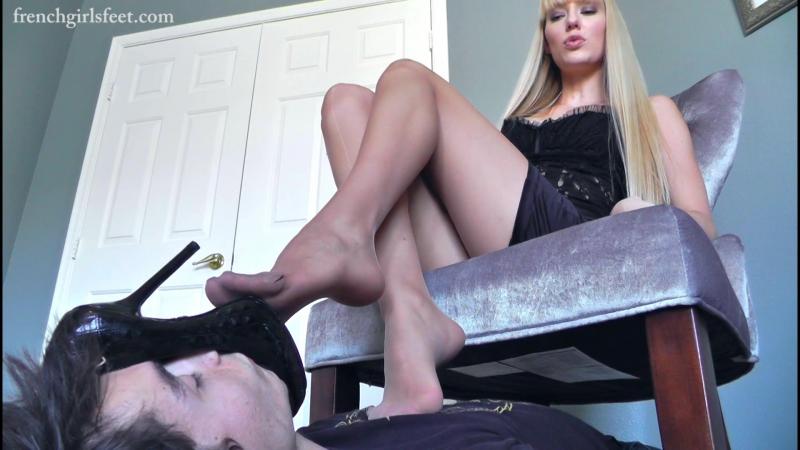 15_Rene-humiliate-office-foot-slave_HD