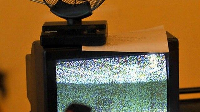 Гаснет голубой экран. Почему россияне рискуют остаться без телевидения?