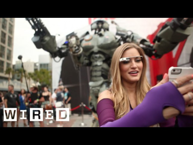 San Diego Comic Con: iJustine Helps WIRED's Giant Robot Get into Comic Con