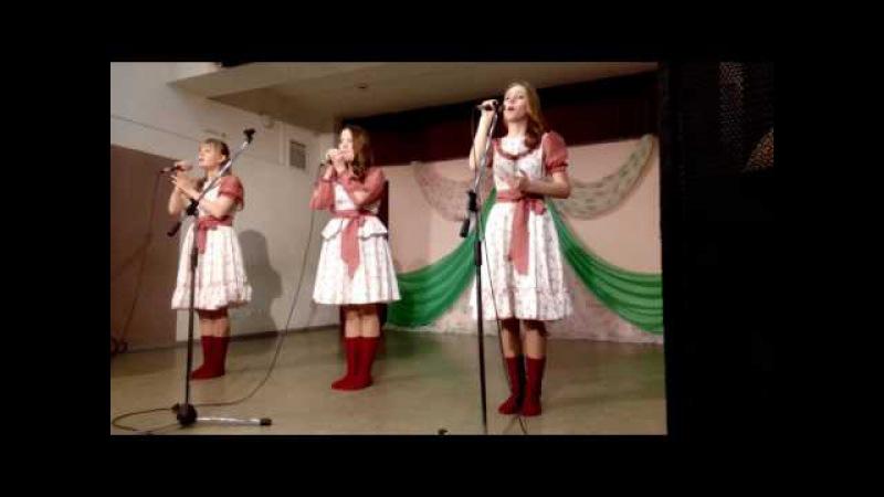 Пасхальные дни в Омутнинском районе выступает коллектив из п. Песковка
