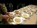 Солдатская еда с презентации Порошенко и из казарм. Военные сняли для президент ...
