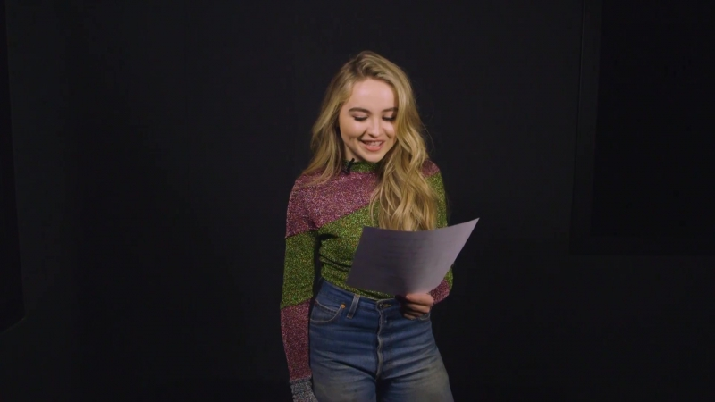 Сабрина читает пикап фразы в студии «iHeartRadio» (21.11.16 Нью-Йорк)