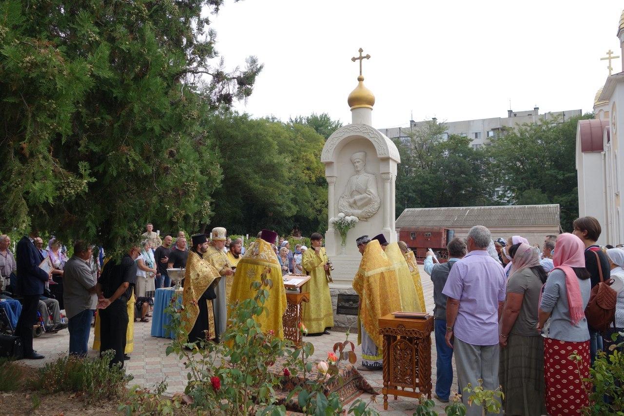 ВКерчи открыли монумент барону Врангелю