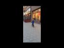 О-Ля-Ля! Маленький любитель клубнички надолго запомнил рекламный фургон стриптиз-клуба