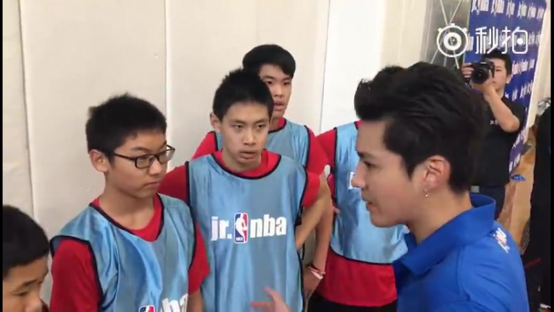 [NBA] 170218 Kris Wu as a trainer NBA All-Star Celebrity Game @Wu Yi Fan