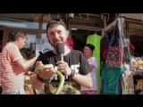 #ЗдесьБылСаша. Александр Волокитин сходил на базар в Белокурихе, попробовал мёд и познакомился с уличными музыкантами