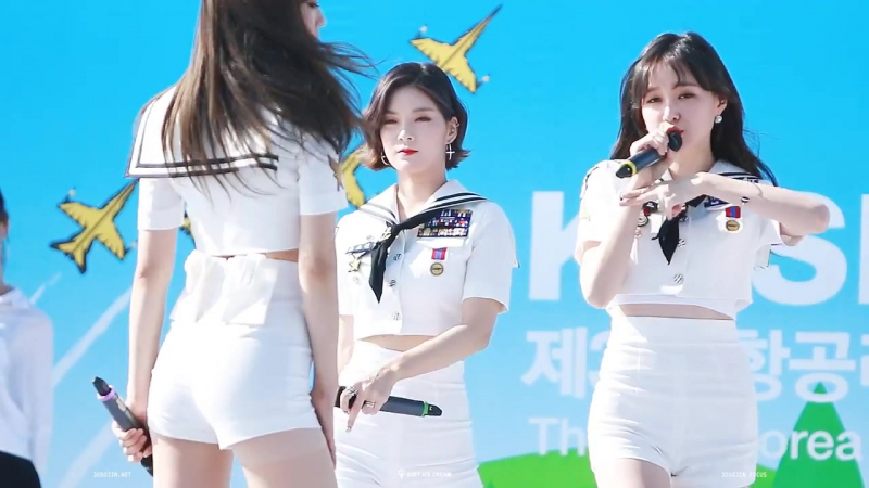 [FANCAM] 08.10.16 9MUSES A (Sojin Focus) - Dolls @ Korea Air Sports Festival