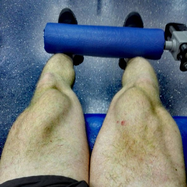 Мода на фотографирование ног у самарцев так и не проходит  Тоже в архи