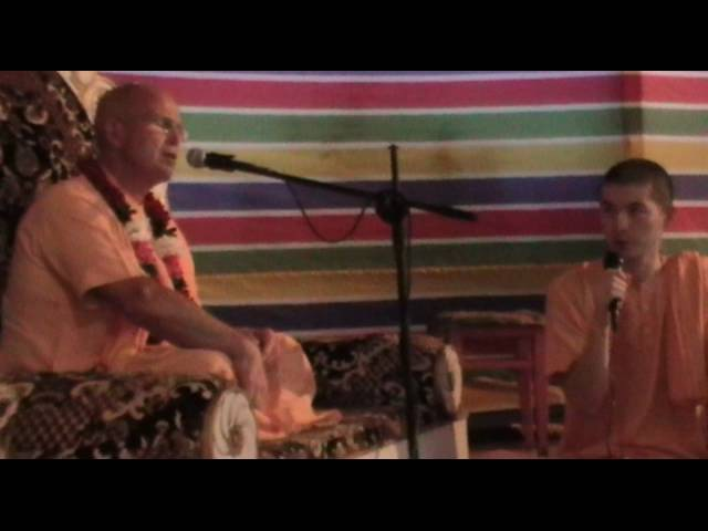 HH Bhakti Bringa Govinda Swami - lection and kirtan 01.07.16