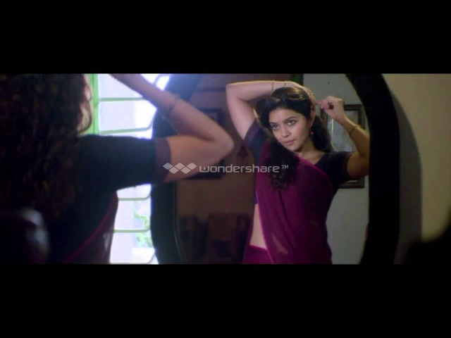 Swathi Reddy Hot Navel Show from a recent song