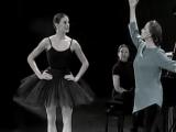 Майя Плисецкая репетирует с Marie-Agnes Gillot