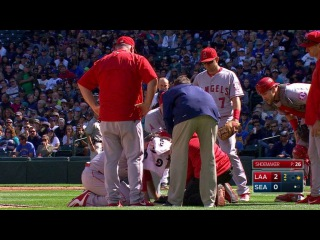 LAA@SEA: Shoemaker hit on head with liner, exits game