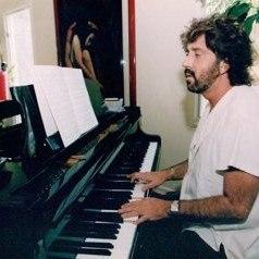 Shuki Levy