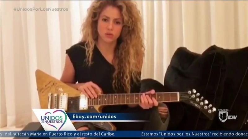 Shakira Offre une guitare pour UnidosPorLosNuestros