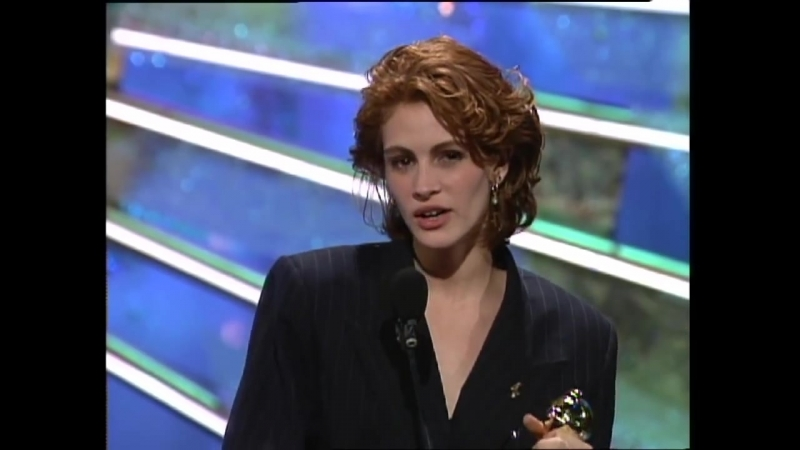 Julia Roberts Wins Best Actress Motion Picture Musical or Comedy - Golden Globes (1991)