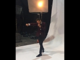 Дженсен на фотосессии для хэллоуинского выпуска журнала EW