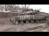 Углегорск подбитые и захваченые танки едут на рембазу ДНР