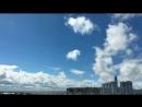 Только облака одновременно и плывут, и бегут и летят ☁️