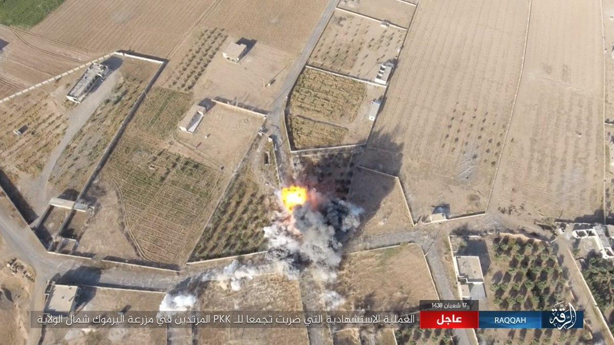 Сирийские боевики засняли, как смертник ИГ разнес в щепки позиции курдов