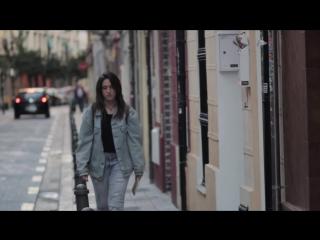 La chica de la barra, de Eva Mollo (HD)