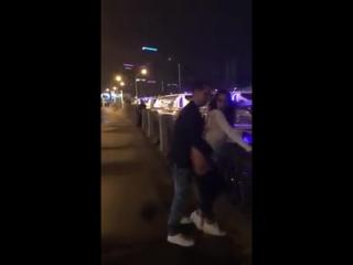 Нашумевшее видео, парочка трахается на набережной в центре Москвы. Саша Травка.