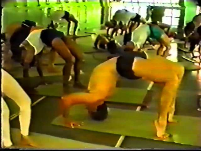 Back bends asanas - Pune 1991 (part 2)