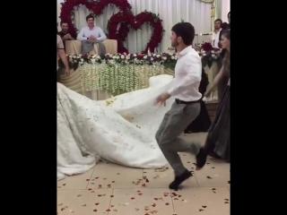 Абу Бандит женился [Нетипичная Махачкала]