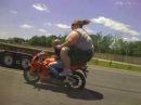ścigacze i motocykle - nieudane akcje i wypadki i mistrzowski stunt kompilacja akcji na motorze