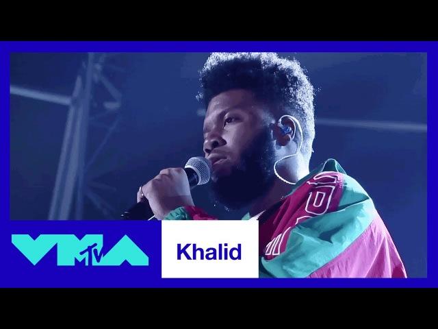 Выступление Калида с песнями «Young, Dumb Broke» «Location» на «MTV Video Music Awards»