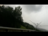 Man_films_lightning_that_strikes_5_metres_away____