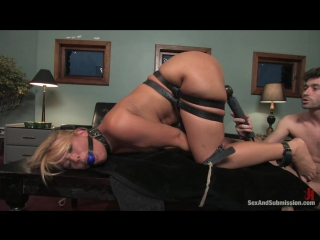 Mellanie Monroe - Sex And Submission