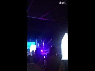 #郑容和##solo歌手郑容和# 这个灯...-来自占89-微博视频-最新最快短视频-搞笑短视频-美女短视频-直播-一直播-美女直播-明星直播