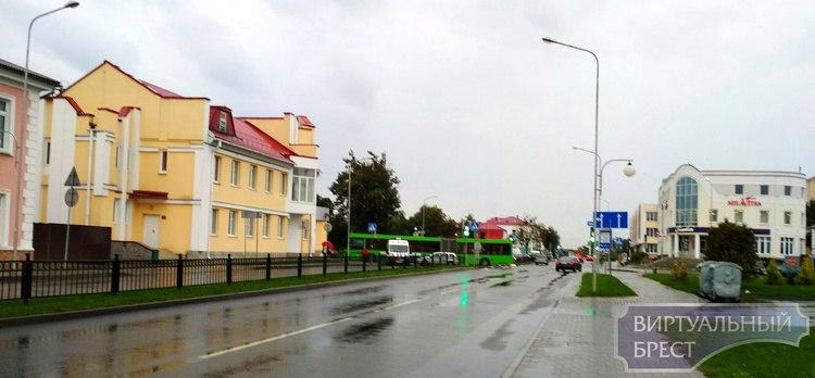 В Пинске автобус столкнулся с AUDI