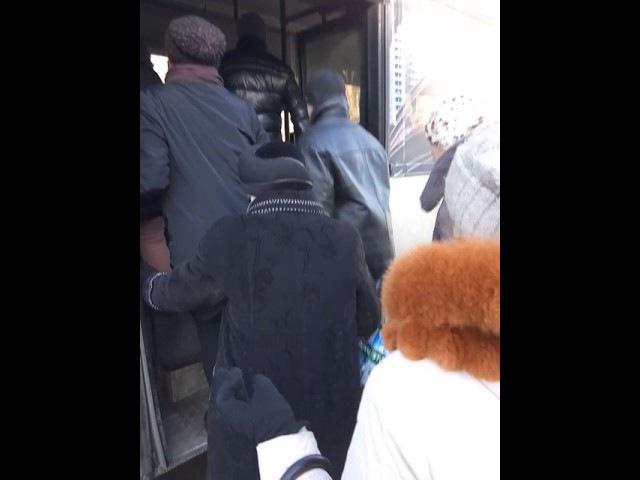 Пасажирів небезпечного Кільцевого в Полтаві обклали нецензурщиною