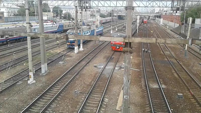 ЭП2К с поездом Урал Москва-Екатеринбург,ЭД4М-0183 и трамвай 71-619 №2133