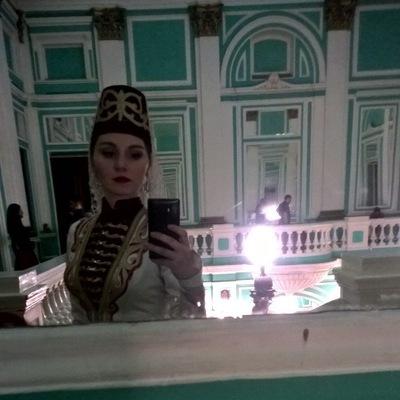 Анна Томаева