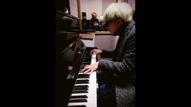 Yoongi piano