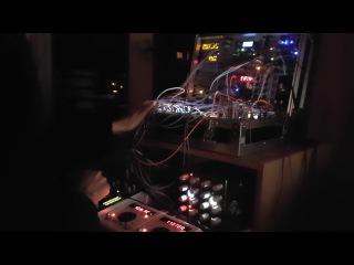 Live modular techno : Blurred memories of a distant future