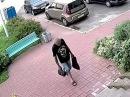 Ленинский р-н по подозрению в хищении барсетки разыскивается мужчина