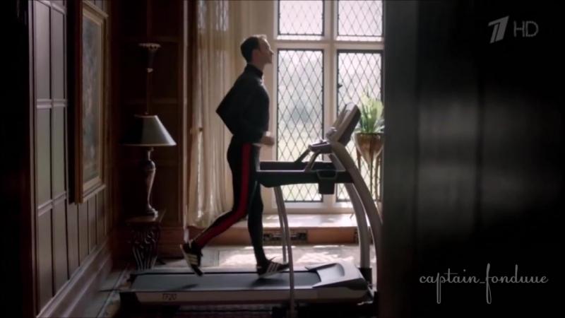 Sherlock crack Mycroft Holmes