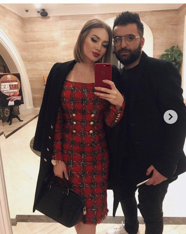Женя Феофилактова примерила новый образ на показе моды