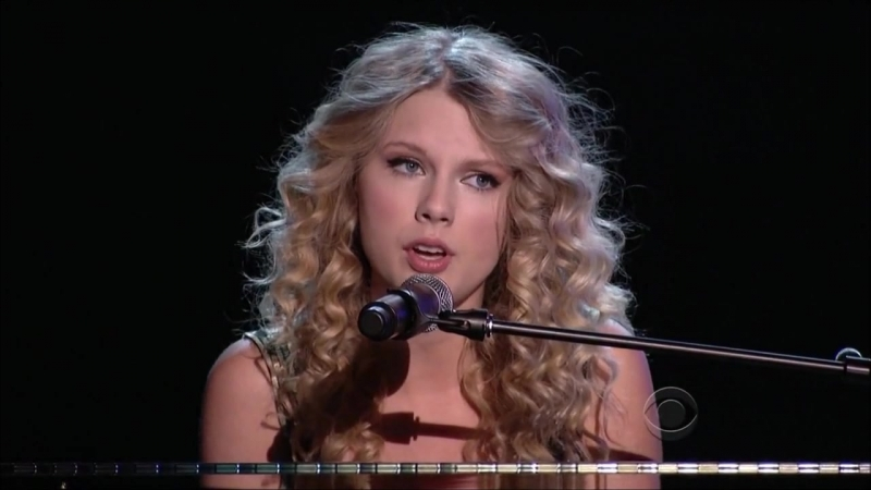 Taylor Swift - Youre Not Sorry (Live at ACM Awards 2009)
