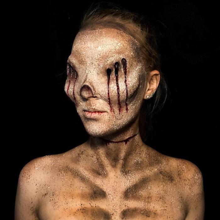 2uUw1dM07J4 - Ужасающий боди-арт 16-летней девушки