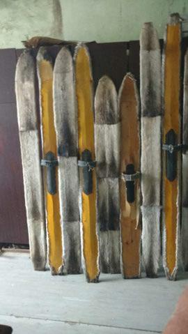 Продам лыжи охотничьи камусные.Звонить 89082444051