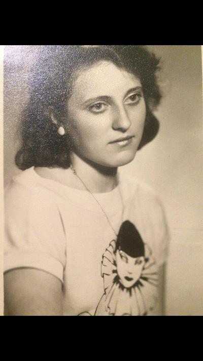 Анна Самохвалова