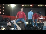 Backstreet Boys Soundcheck Interview- Fashion regrets and stripper moves - YouTube