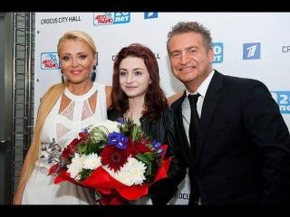 Как живут знаменитости. Анжелика Варум и Леонид Агутин показали взрослую дочь.